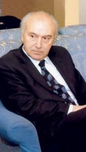 le sénateur italien Gian Guido Folloni, à l'époque directeur du journal l'Avvenire
